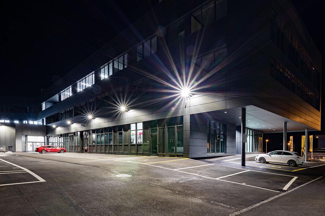 planification éclairage extérieur bâtiment entreprise